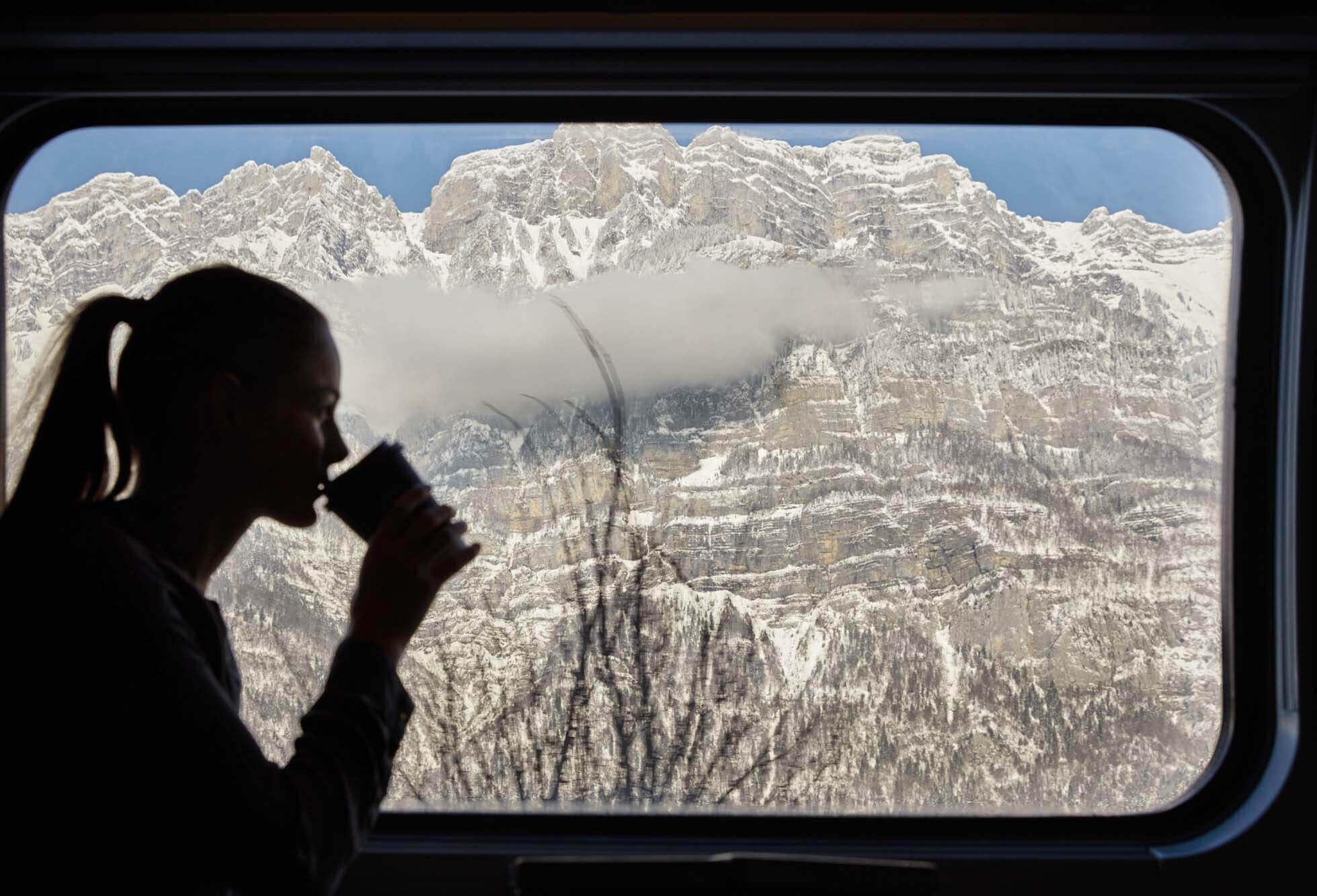 Kaffee, Zug, Reisen, Berg, Frau