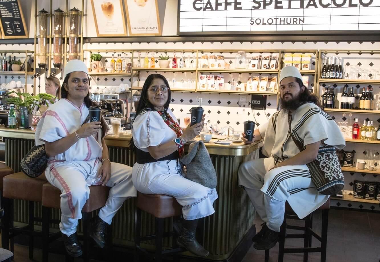 Vertreter der ANEI im Caffè Spettacolo Solothurn quer