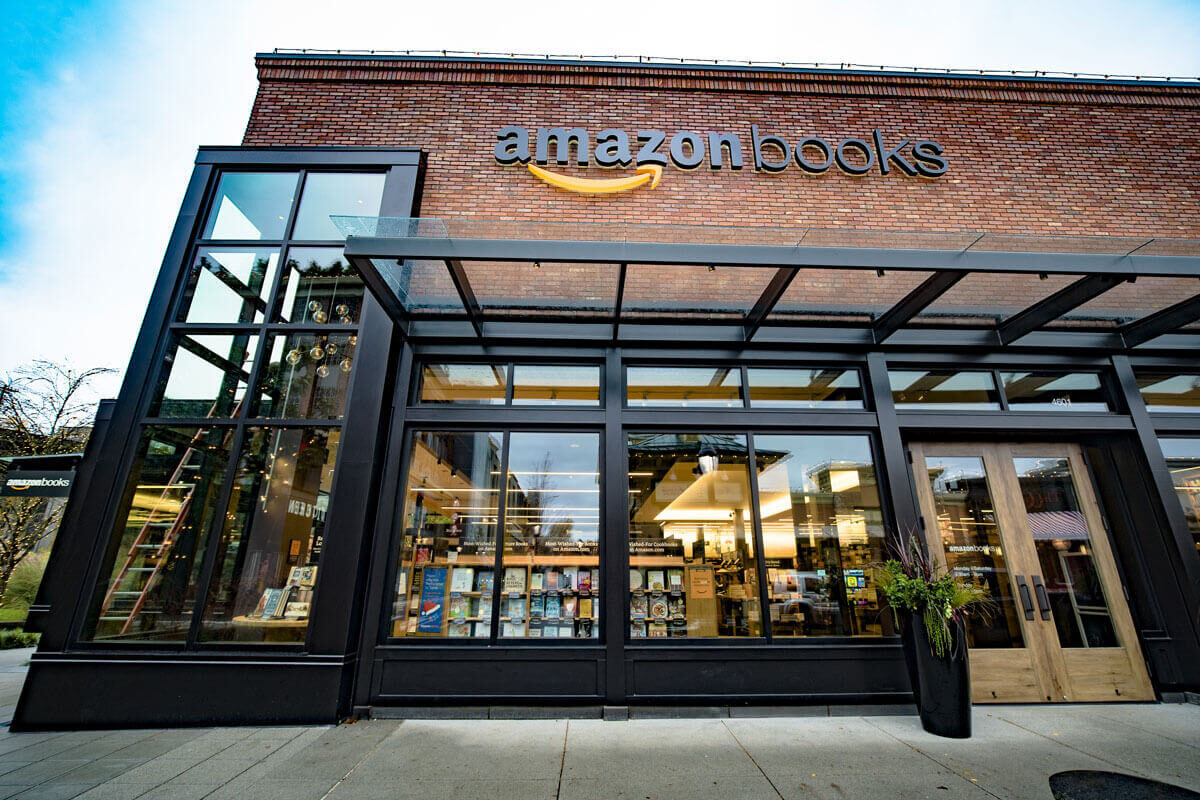 Offline Shopping, USA, Bookshop, amazon, Retail