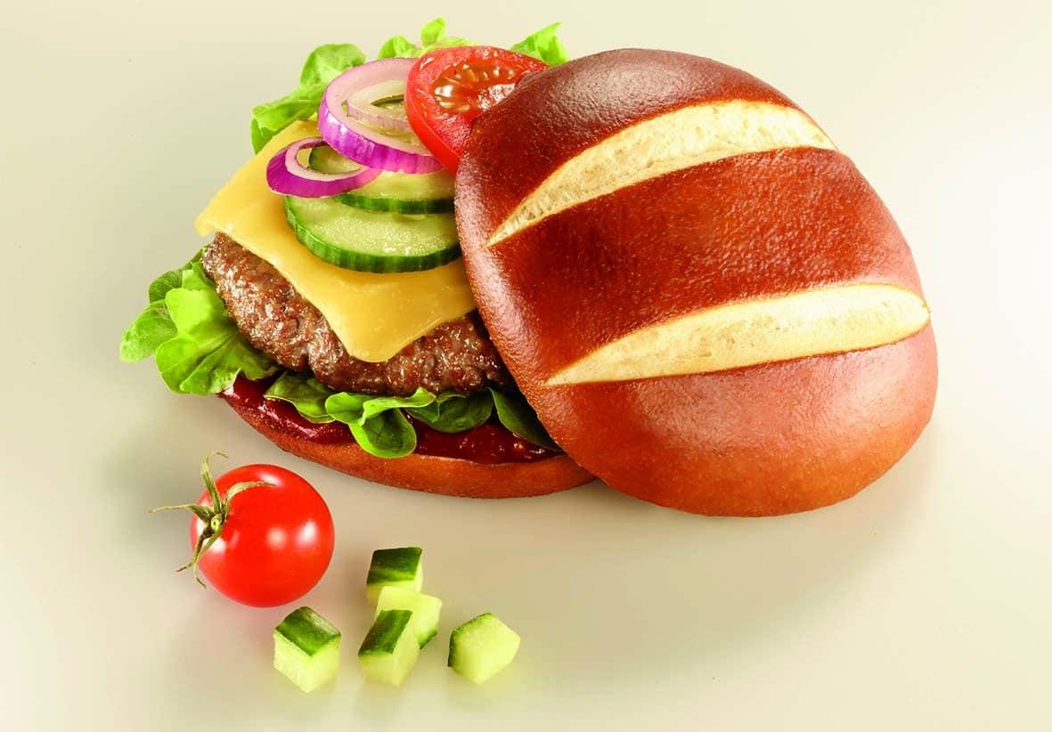 Pimp Your Pretzel 1 Burger Bun BBQ